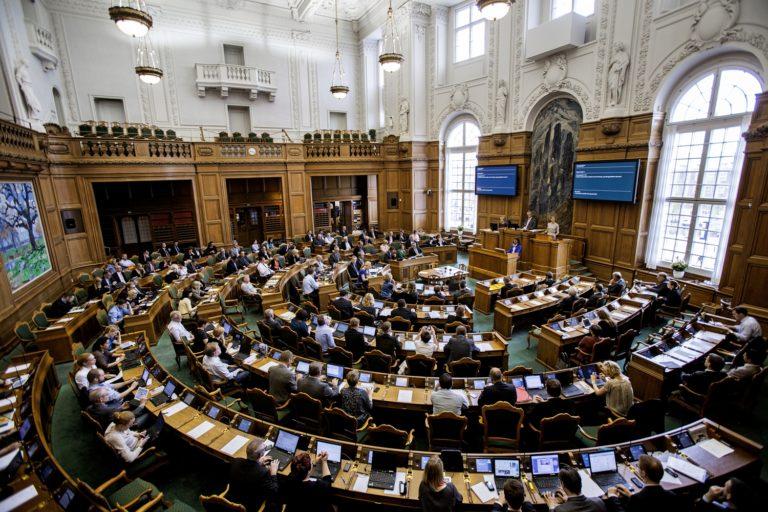 Regering folkting ministre debat