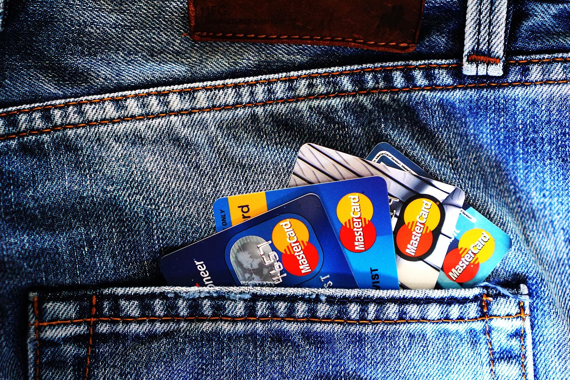 bank banker kreditkort penge forbrug