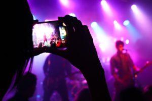 live musik populær sociale medier koncert