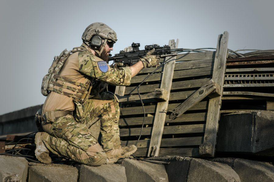 krig militær politik undtagelsestilstand